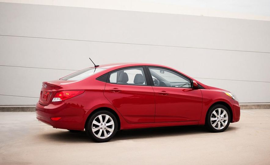 2012 Hyundai Accent hatchback and sedan - Slide 40