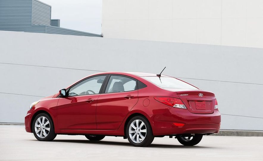 2012 Hyundai Accent hatchback and sedan - Slide 42