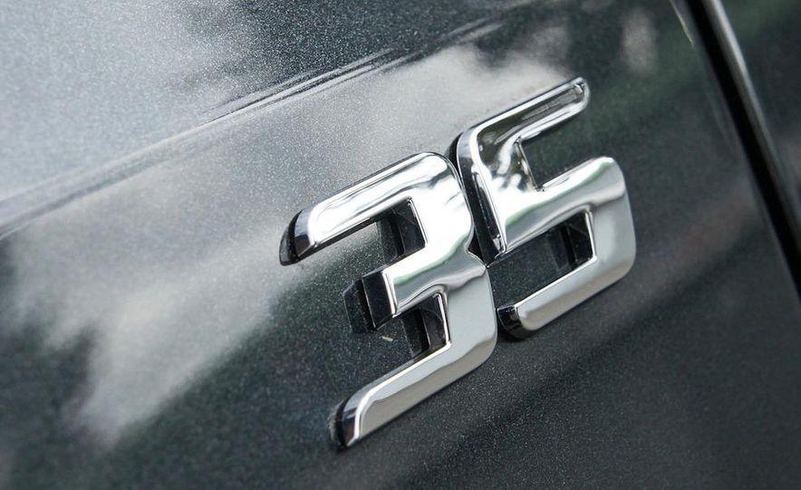 2012 Volkswagen GTI Edition 35 - Slide 11