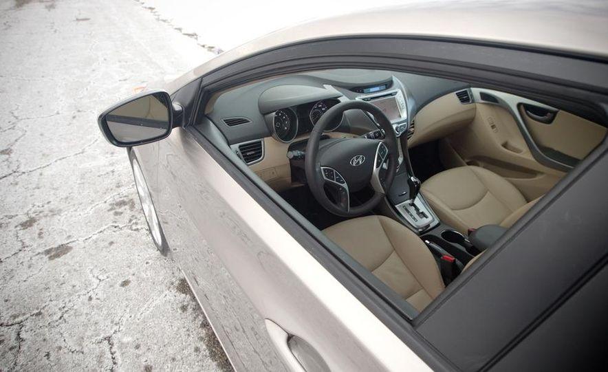 2012 Hyundai Elantra coupe (spy photo) - Slide 19
