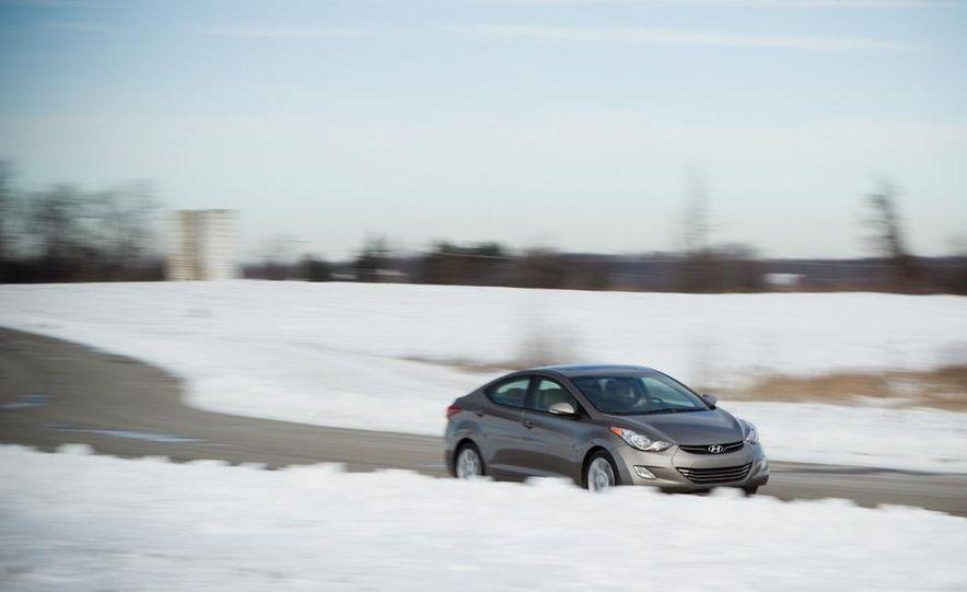 2012 Hyundai Elantra coupe (spy photo) - Slide 7