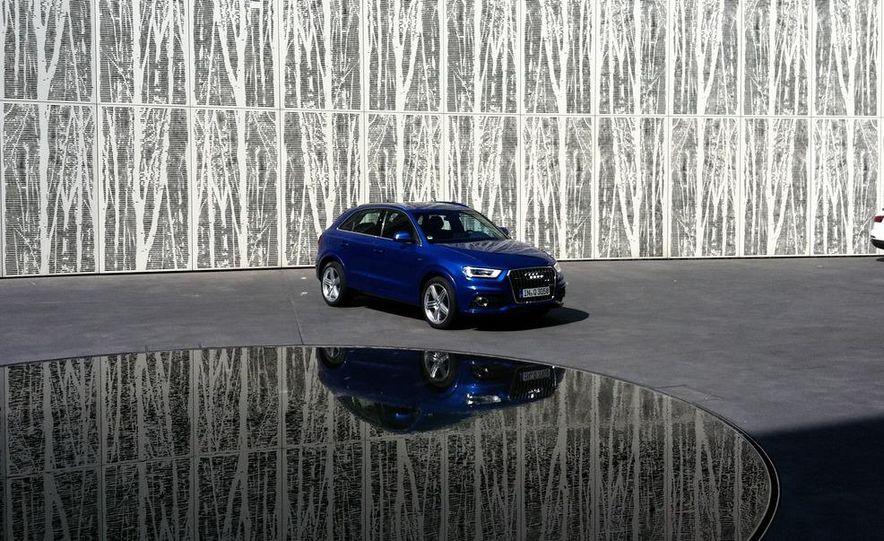 2012 Audi Q3 S-line - Slide 2