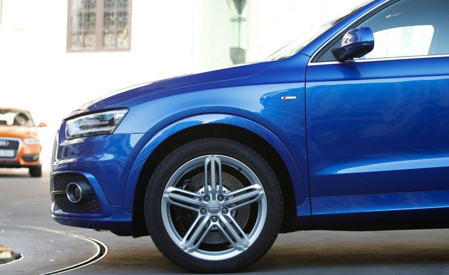 2012 Audi Q3 S-line - Slide 18