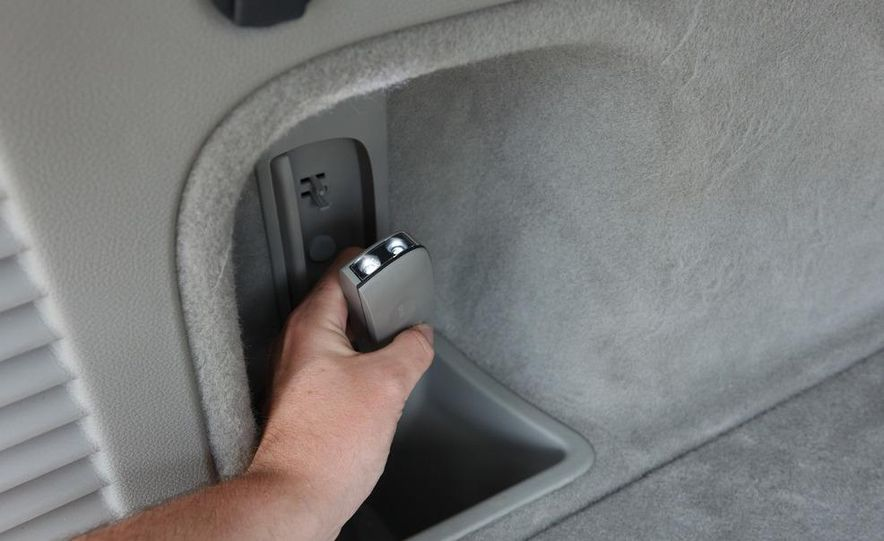 2011 Jeep Grand Cherokee V6 Laredo 4X4 - Slide 76