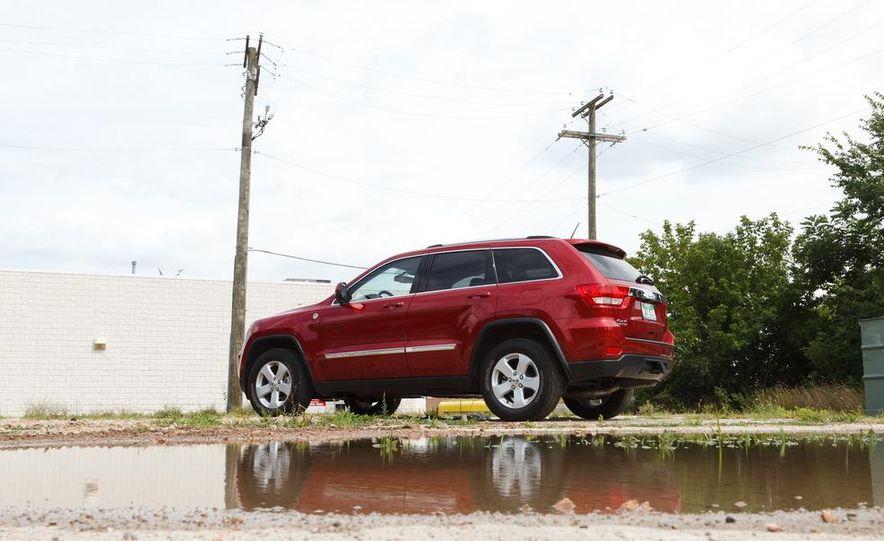 2011 Jeep Grand Cherokee V6 Laredo 4X4 - Slide 64