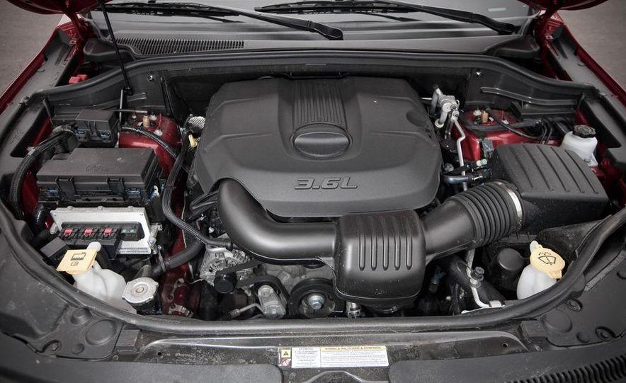 2011 Jeep Grand Cherokee V6 Laredo 4X4 - Slide 53