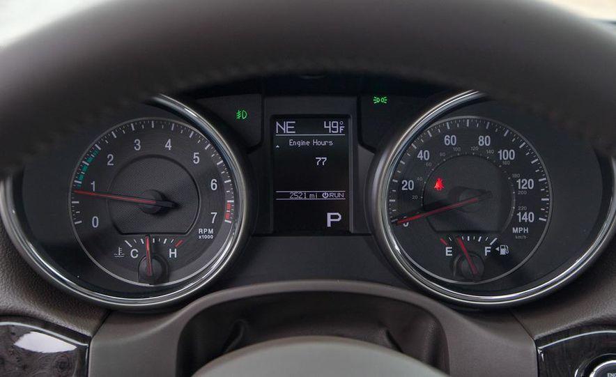 2011 Jeep Grand Cherokee V6 Laredo 4X4 - Slide 49