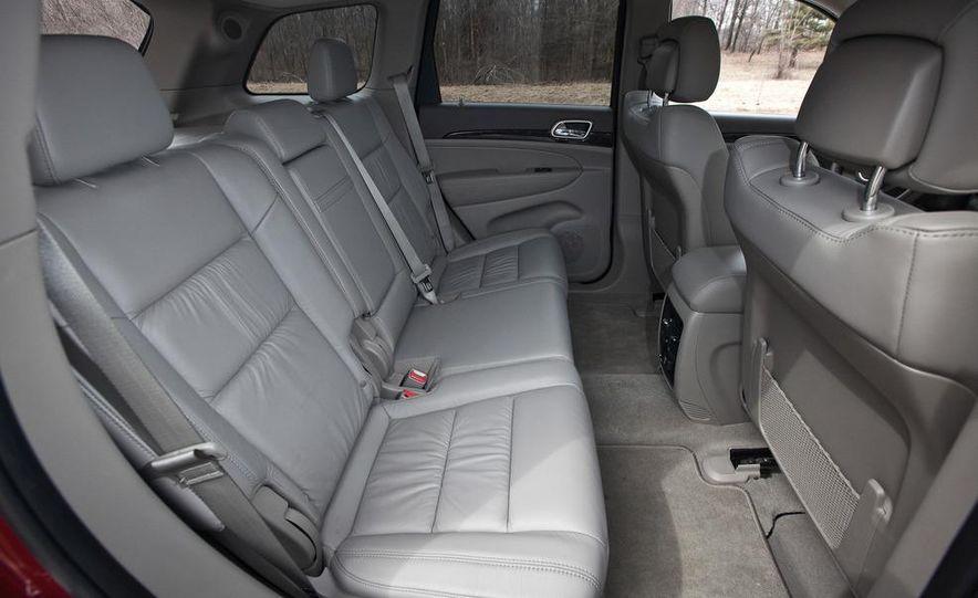 2011 Jeep Grand Cherokee V6 Laredo 4X4 - Slide 41