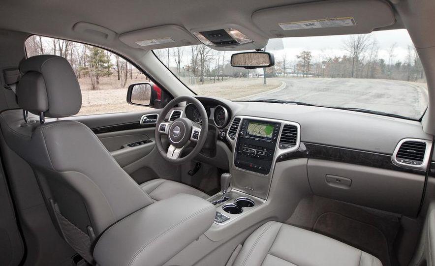 2011 Jeep Grand Cherokee V6 Laredo 4X4 - Slide 42