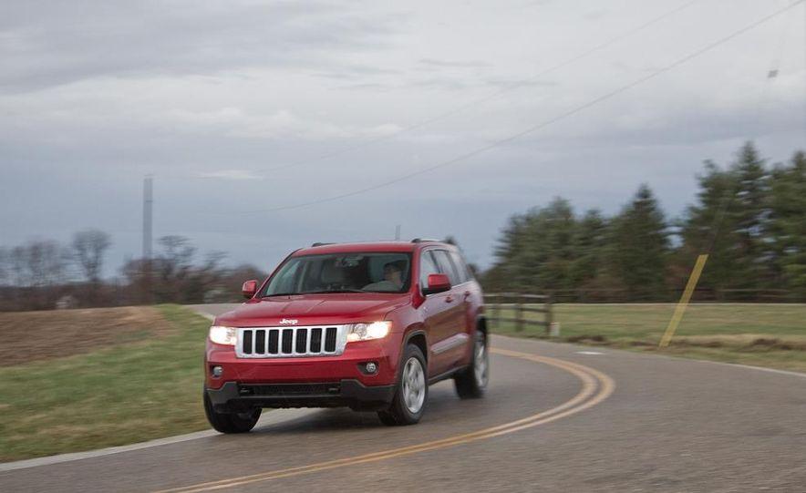 2011 Jeep Grand Cherokee V6 Laredo 4X4 - Slide 5