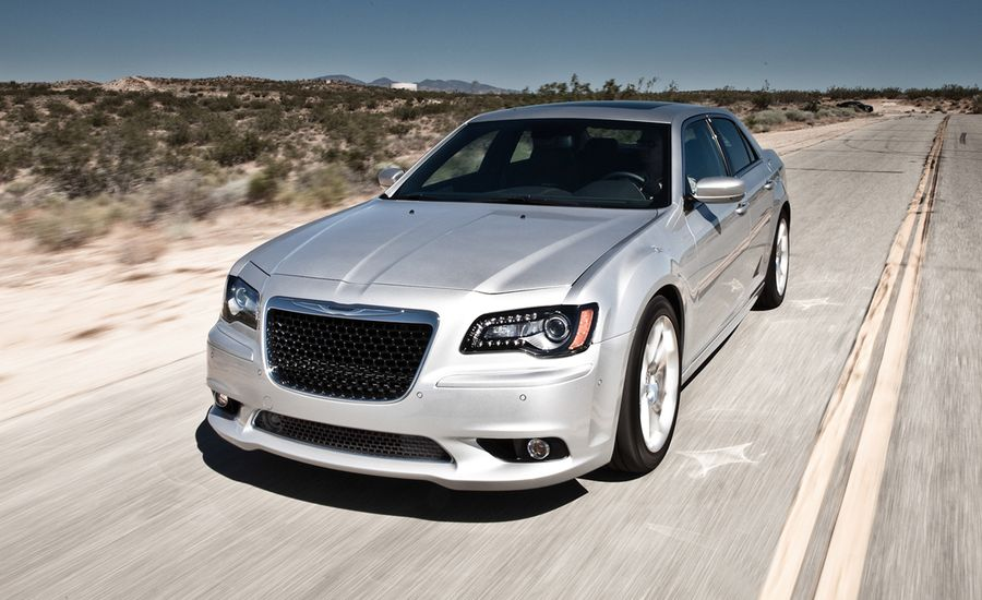2012 Chrysler 300 SRT8 / 2012 Dodge Charger SRT8