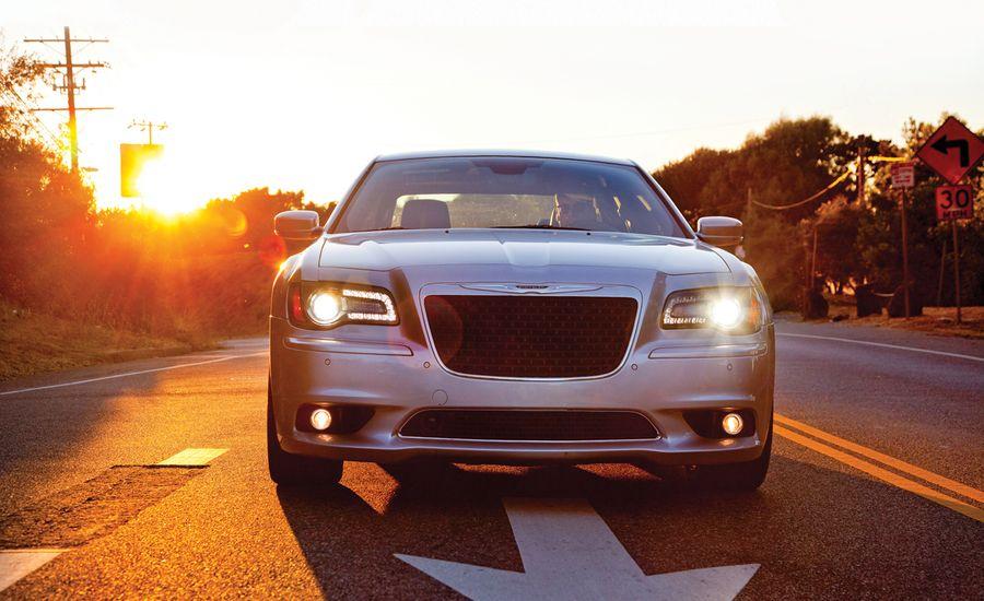 2012 Chrysler 300 Srt8 Test Reviews Car And Driver