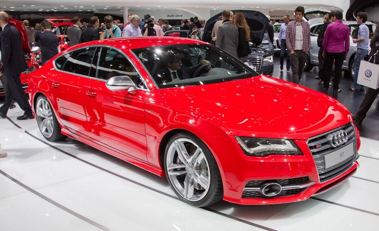 2013 Audi S7 4.0T Official Photos and Info