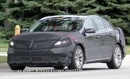 2013 Lincoln MKS Spy Photos