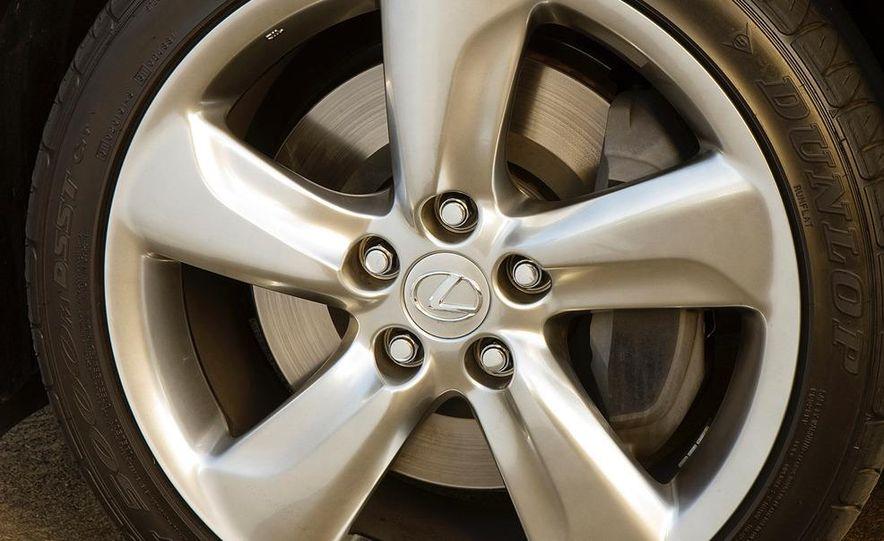 2012 Lexus GS (spy photo) - Slide 32