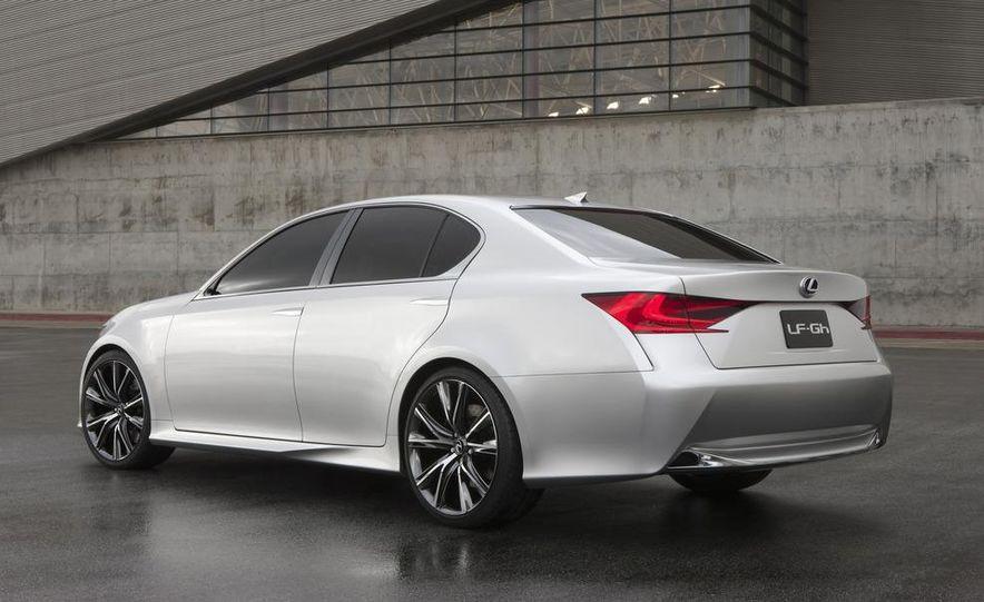 2012 Lexus GS (spy photo) - Slide 17