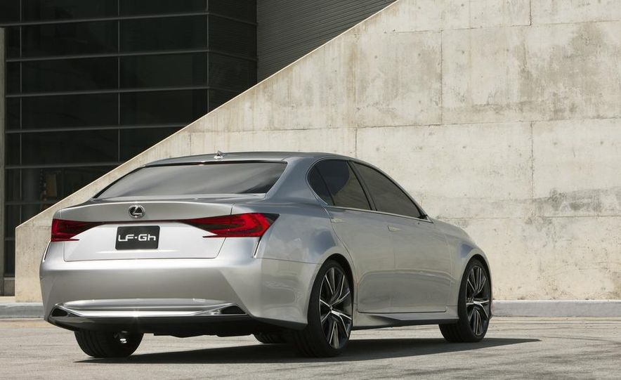 2012 Lexus GS (spy photo) - Slide 18