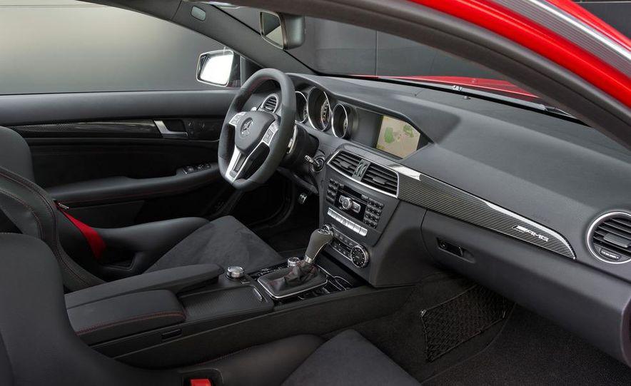 2012 Mercedes-Benz C63 AMG Coupe Black Series - Slide 27
