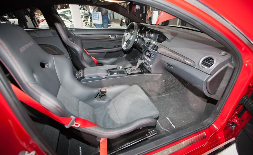 2012 Mercedes-Benz C63 AMG Coupe Black Series - Slide 12
