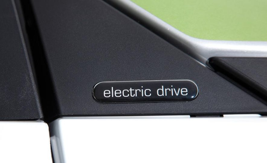 2011 Smart Fortwo Electric Drive - Slide 18