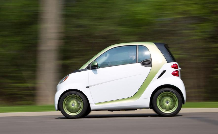 2011 Smart Fortwo Electric Drive - Slide 4