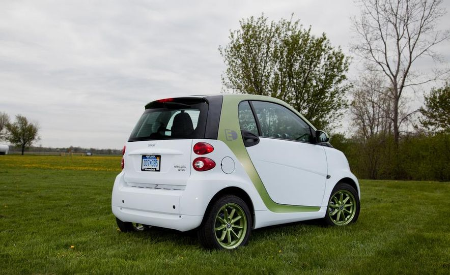 2011 Smart Fortwo Electric Drive - Slide 12