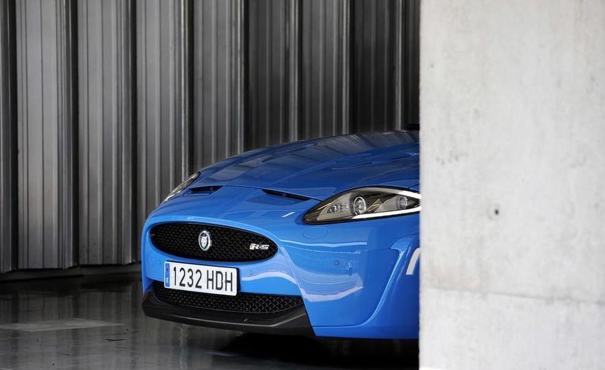 2012 Jaguar XKR-S - Slide 17