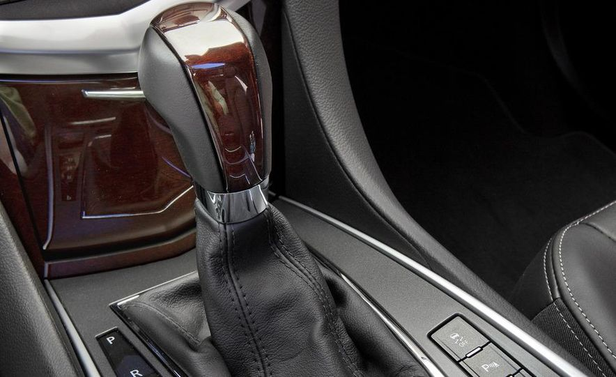 2012 Cadillac SRX - Slide 17
