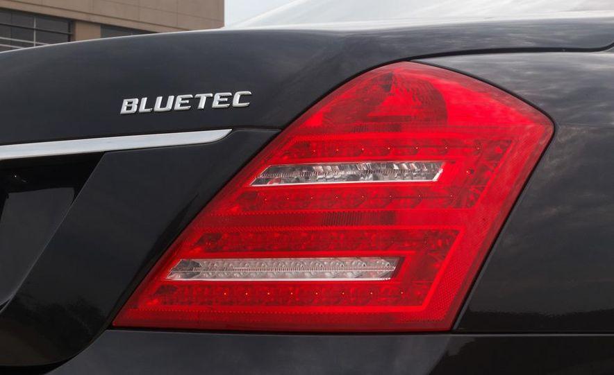2012 Mercedes-Benz S350 BlueTec 4MATIC - Slide 6