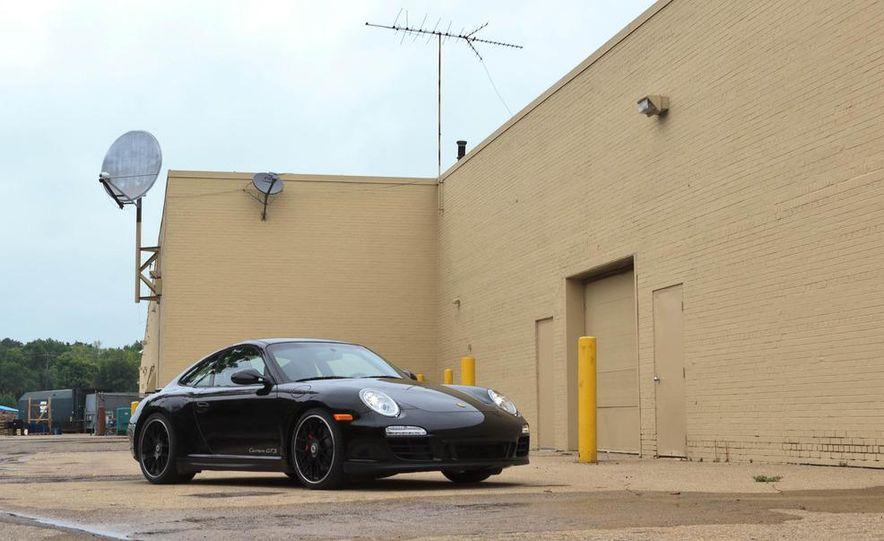 2011 Porsche 911 Carrera GTS coupe - Slide 1