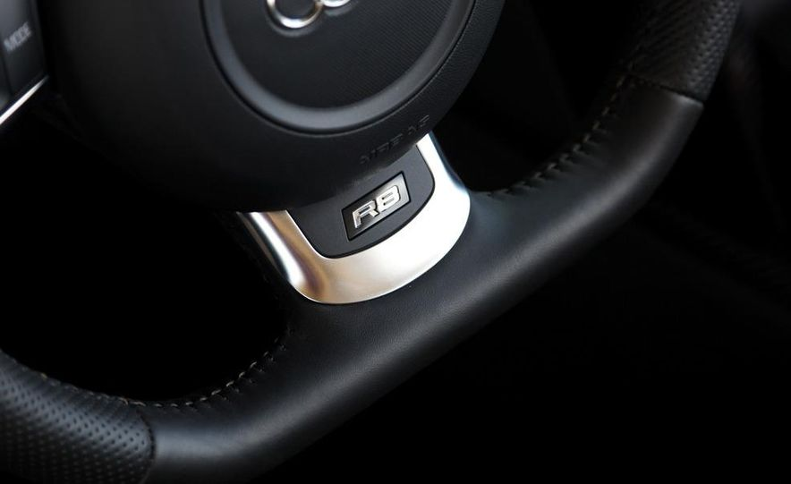 2011 Audi R8 4.2 Spyder - Slide 31