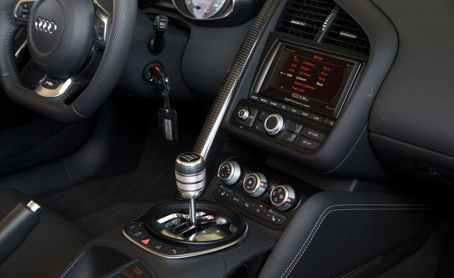 2011 Audi R8 4.2 Spyder - Slide 25