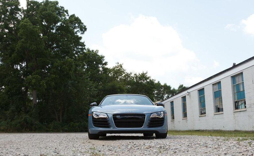 2011 Audi R8 4.2 Spyder - Slide 3