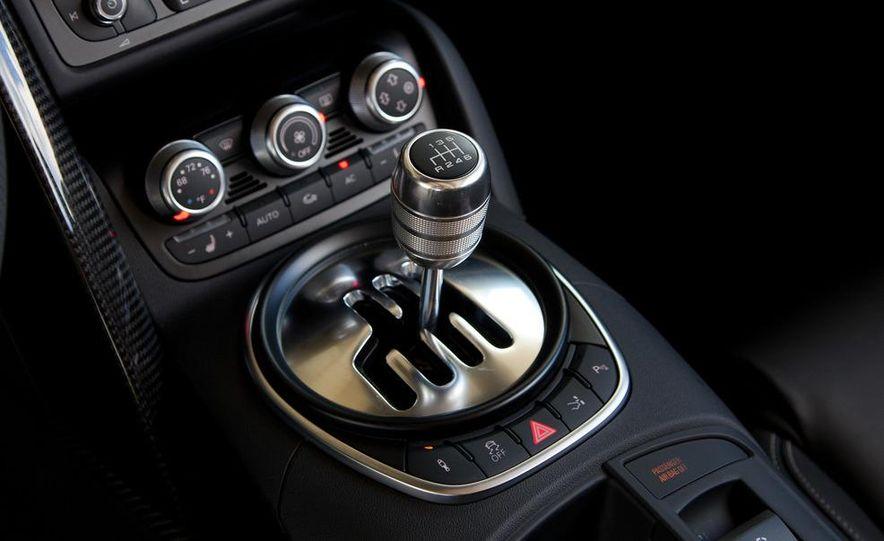 2011 Audi R8 4.2 Spyder - Slide 30