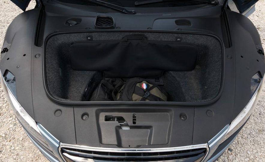 2011 Audi R8 4.2 Spyder - Slide 32