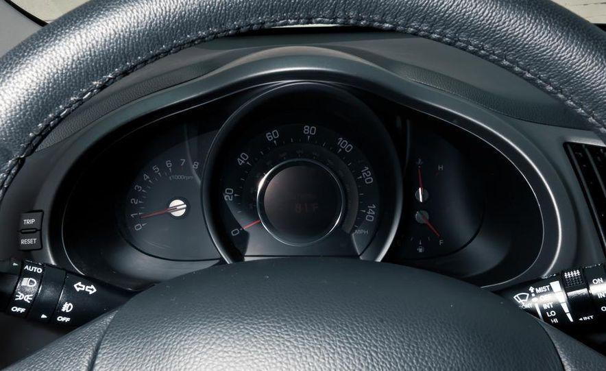 2011 Kia Sportage SX AWD - Slide 36