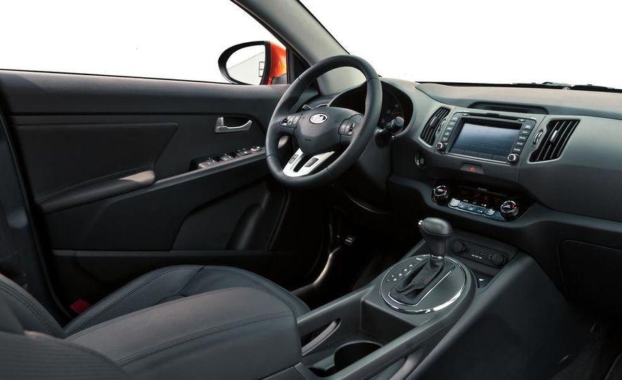 2011 Kia Sportage SX AWD - Slide 30
