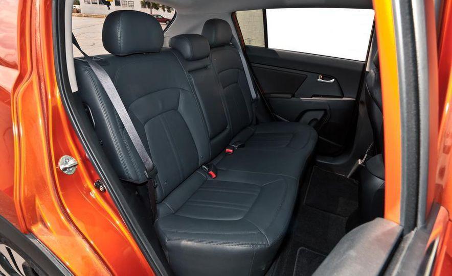 2011 Kia Sportage SX AWD - Slide 33