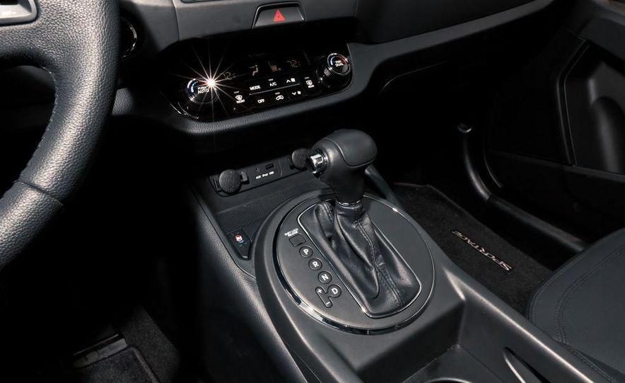 2011 Kia Sportage SX AWD - Slide 37