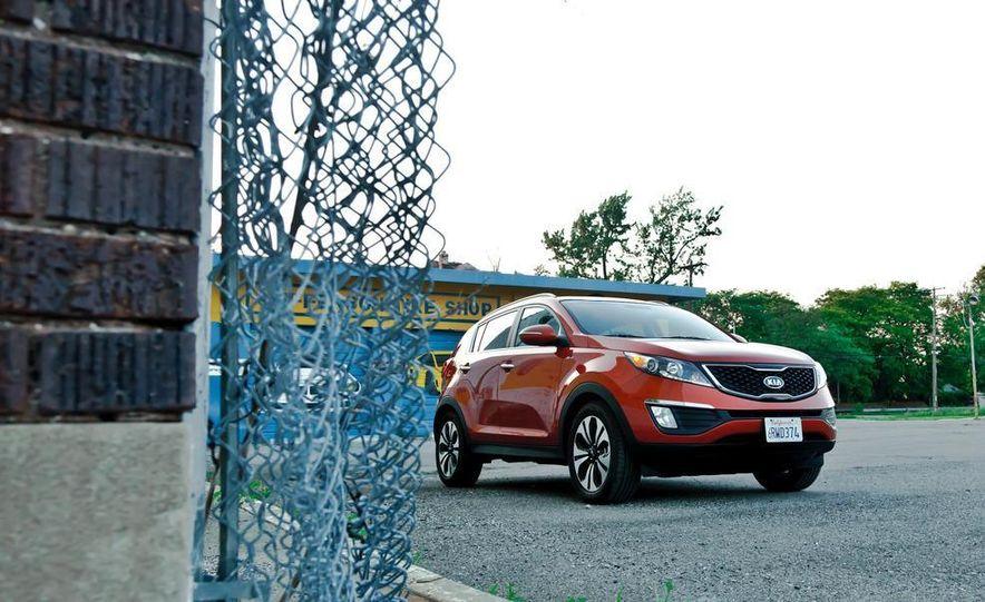 2011 Kia Sportage SX AWD - Slide 5