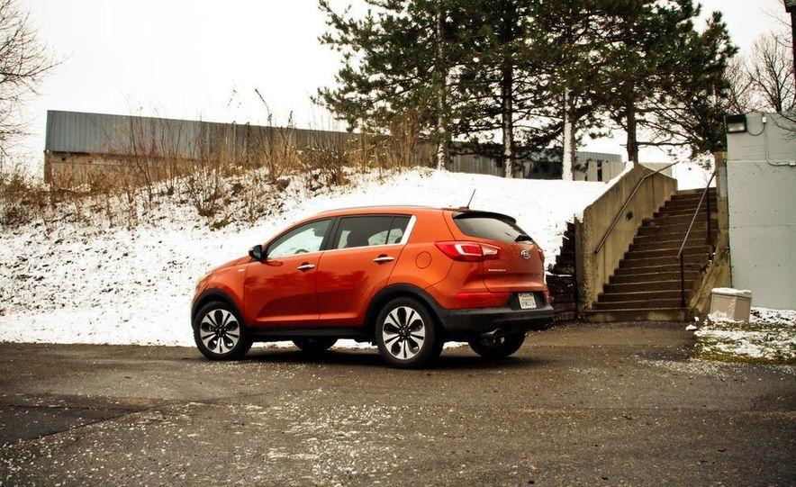2011 Kia Sportage SX AWD - Slide 10
