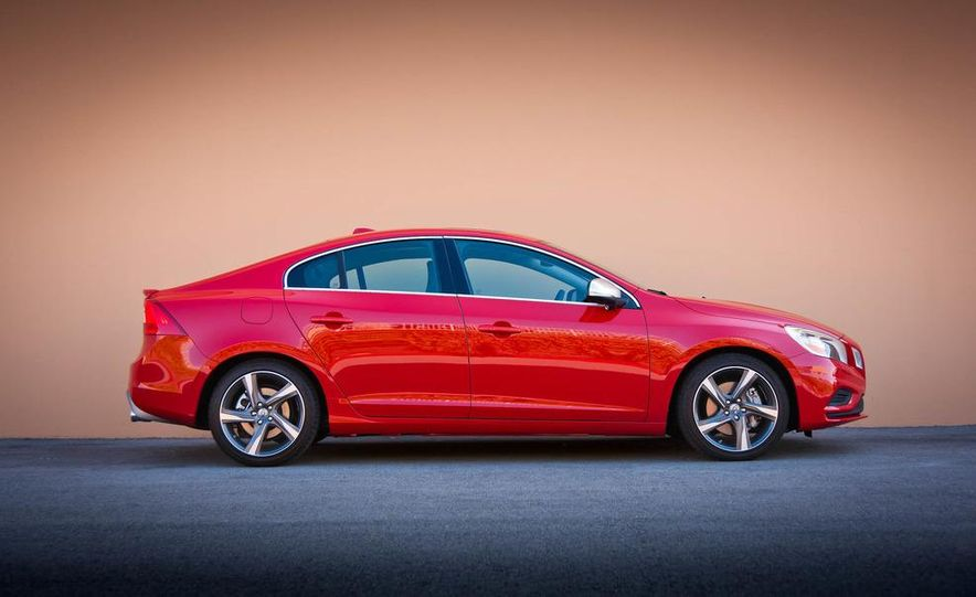 2012 Volvo S60 R-Design - Slide 13