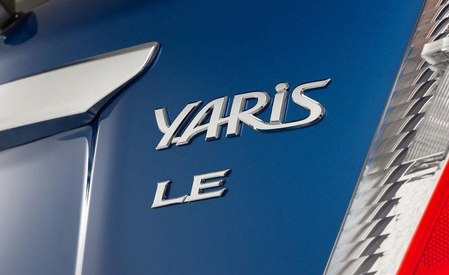 2012 Toyota Yaris LE 3-door - Slide 9