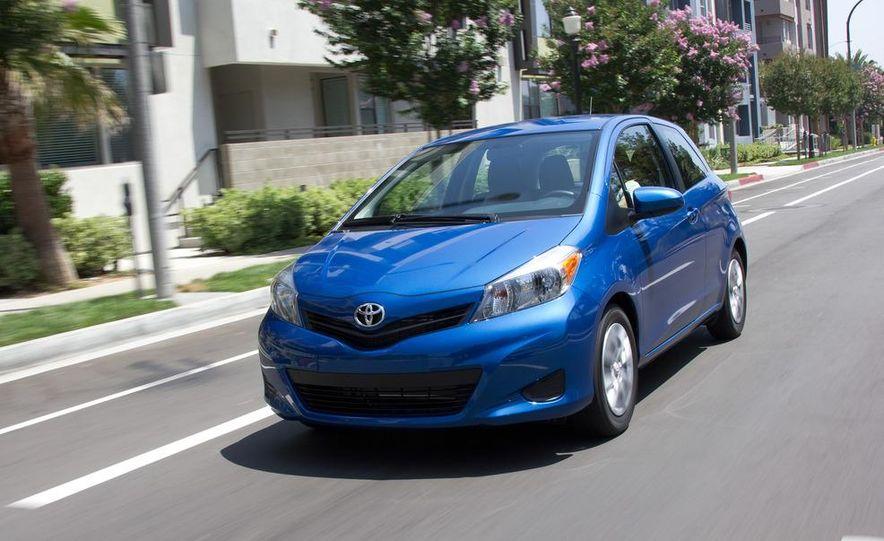 2012 Toyota Yaris LE 3-door - Slide 3
