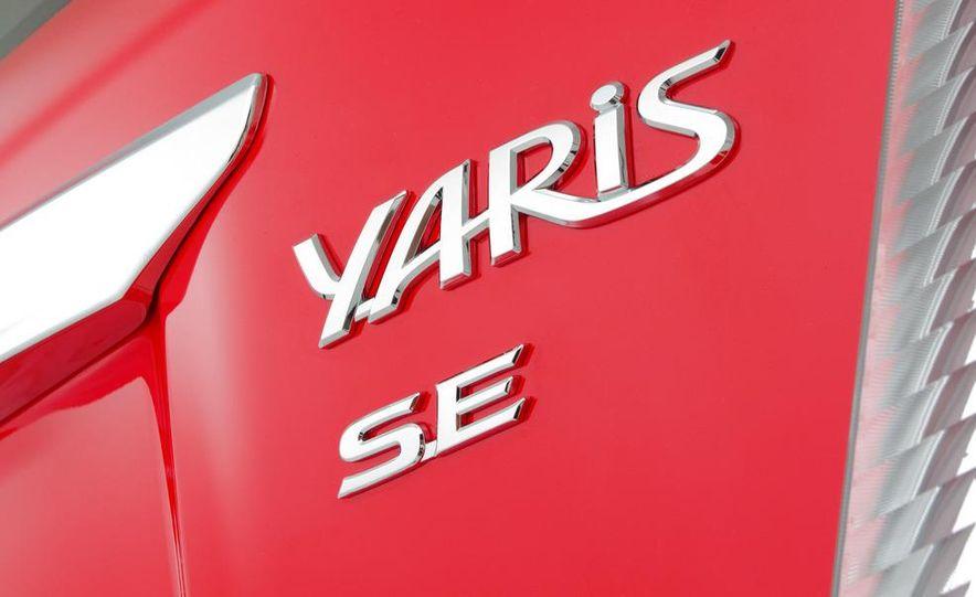 2012 Toyota Yaris LE 3-door - Slide 30
