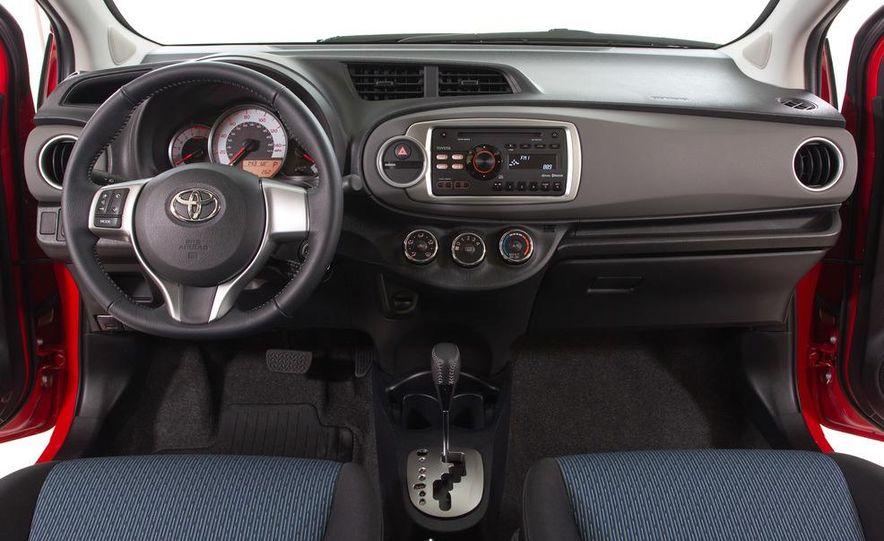 2012 Toyota Yaris LE 3-door - Slide 31