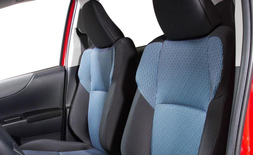 2012 Toyota Yaris LE 3-door - Slide 33