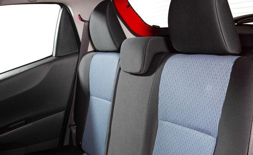 2012 Toyota Yaris LE 3-door - Slide 34