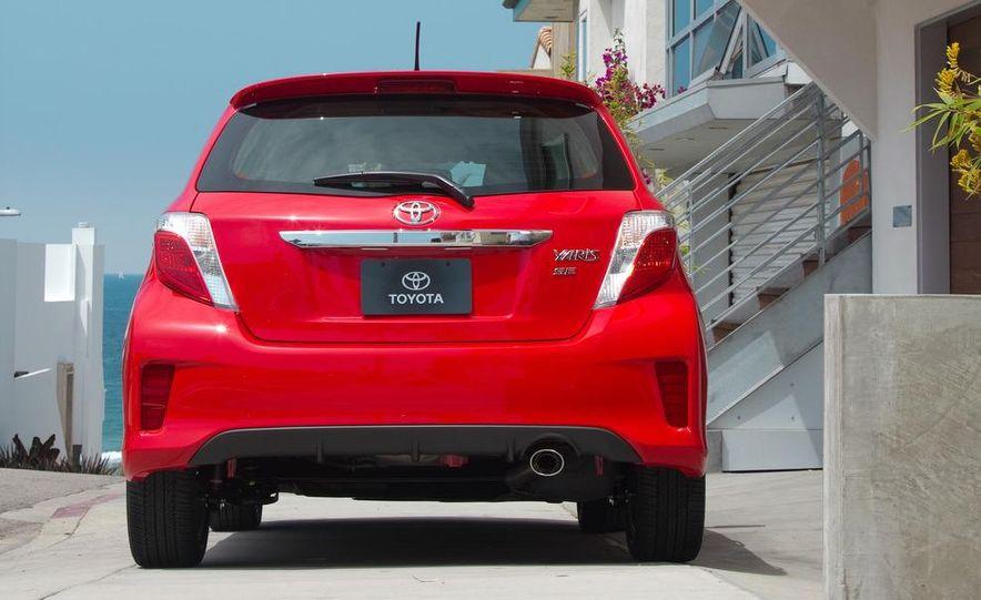 2012 Toyota Yaris LE 3-door - Slide 18