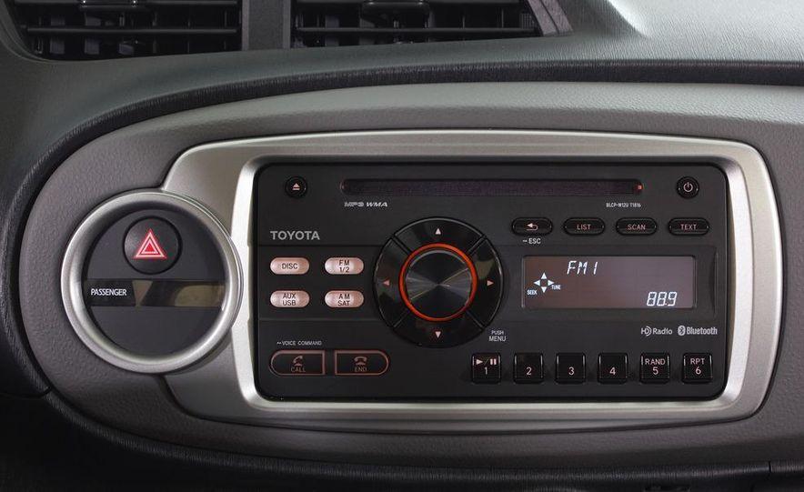 2012 Toyota Yaris LE 3-door - Slide 36